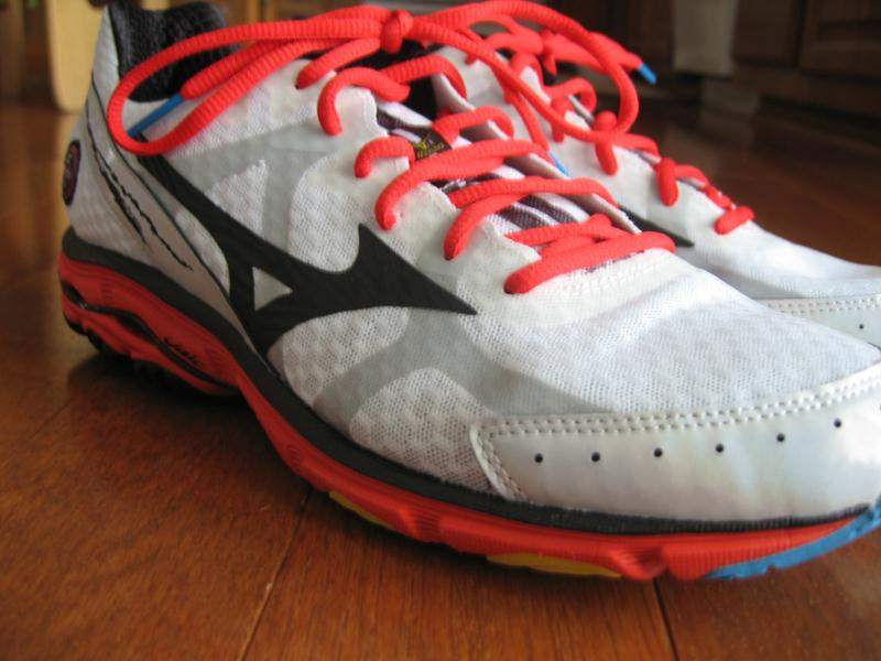 Mizuno-Wave-Rider-17-Medial-Side3